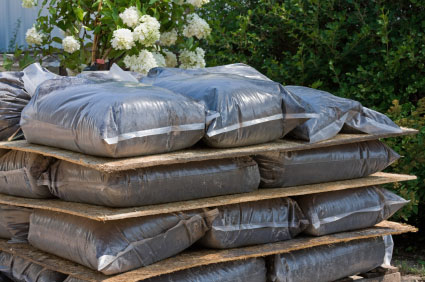 Ej bags and boxes of toronto offers soil and gravel bags for Bags of topsoil
